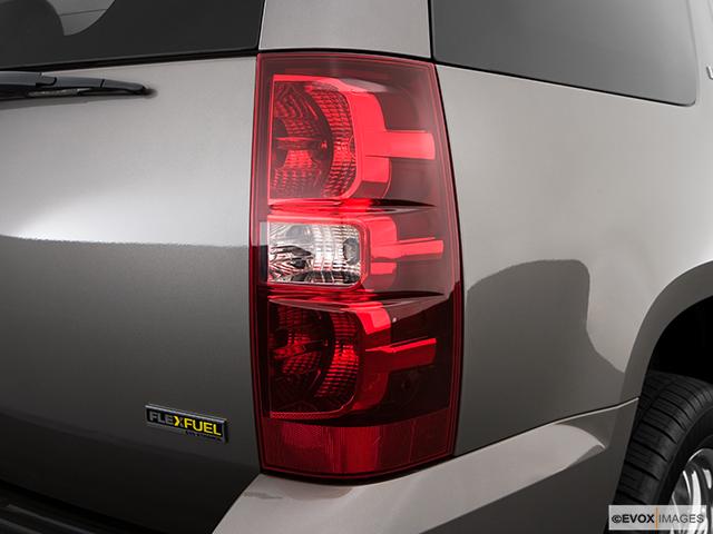 2009 Chevrolet Tahoe Passenger Side Taillight