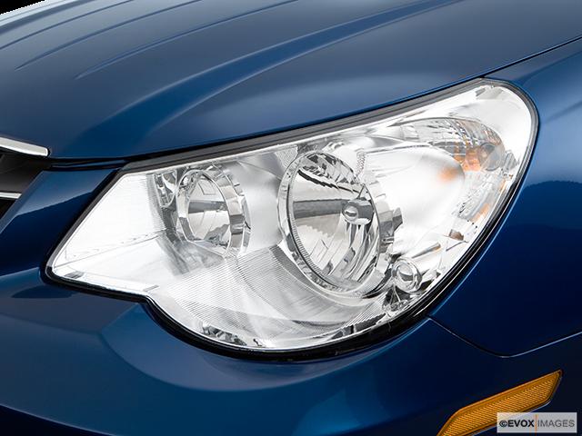 2009 Chrysler Sebring Drivers Side Headlight