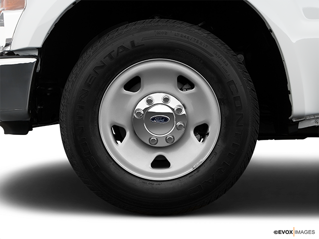 2009 Ford F-250 Super Duty Front Drivers side wheel at profile