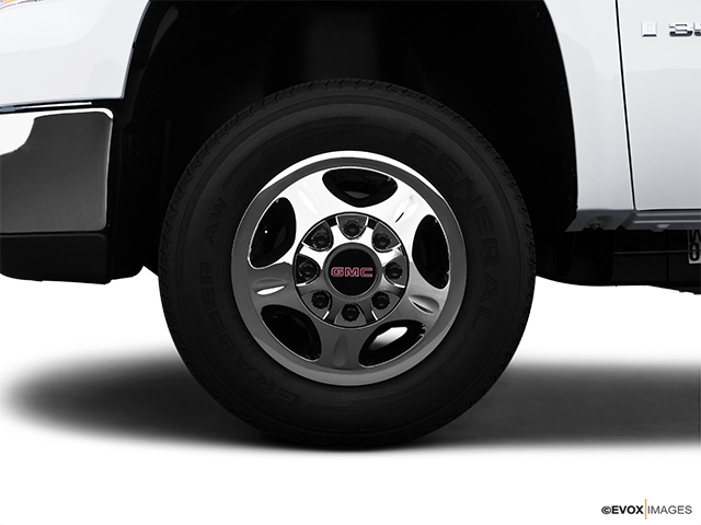 2009 GMC Sierra 3500HD Front Drivers side wheel at profile