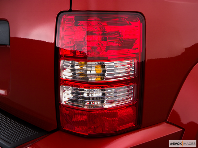 2009 Jeep Liberty Passenger Side Taillight