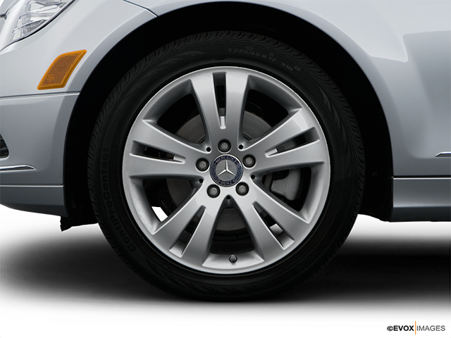 2009 Mercedes-Benz C-Class Front Drivers side wheel at profile