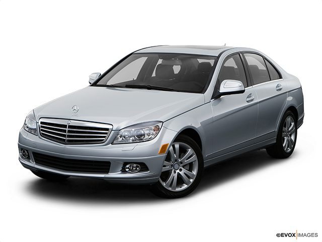 2009 Mercedes-Benz C-Class Front angle view