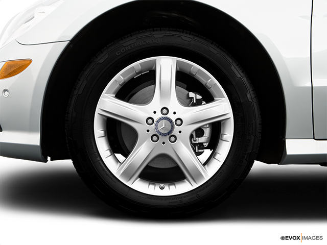 2009 Mercedes-Benz R-Class Front Drivers side wheel at profile