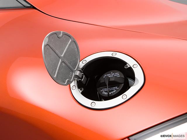 2009 Mitsubishi Eclipse Gas cap open