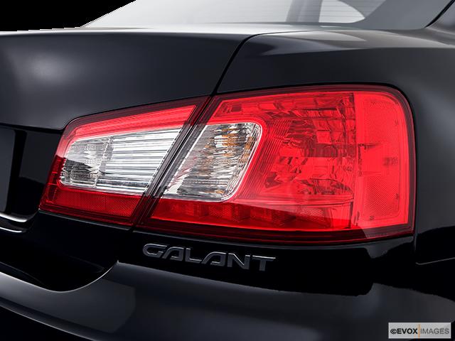 2009 Mitsubishi Galant Passenger Side Taillight