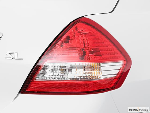 2009 Nissan Versa Passenger Side Taillight