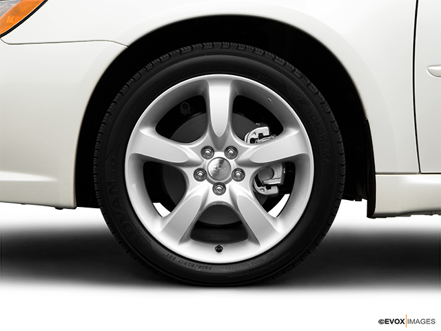 2009 Subaru Legacy Front Drivers side wheel at profile