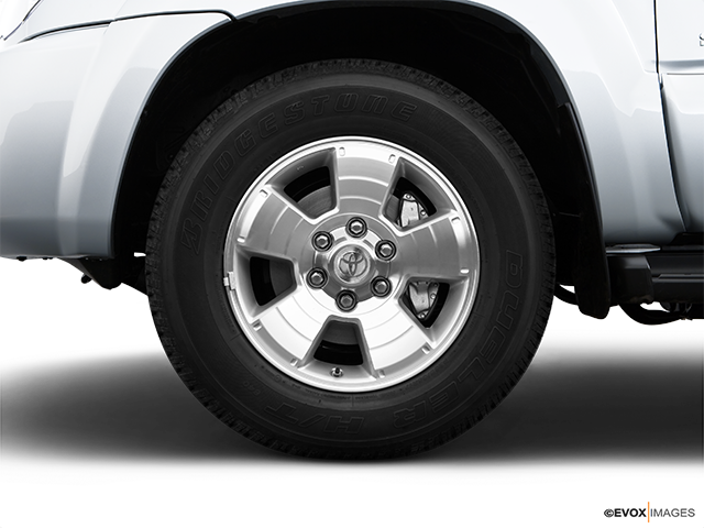 2009 Toyota 4Runner Front Drivers side wheel at profile