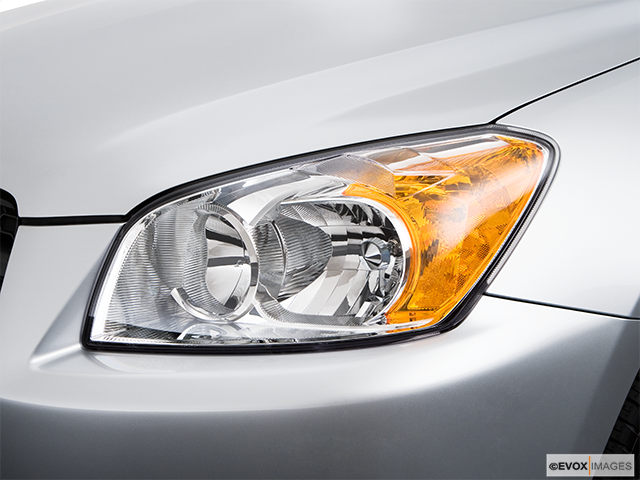 2009 Toyota RAV4 Drivers Side Headlight