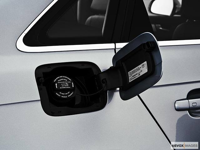 2010 Audi A4 Gas cap open