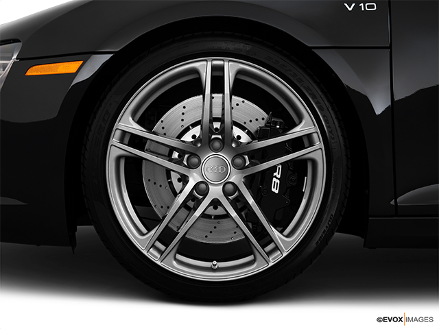 2010 Audi R8 Front Drivers side wheel at profile