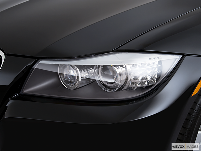 2010 BMW 3 Series Drivers Side Headlight