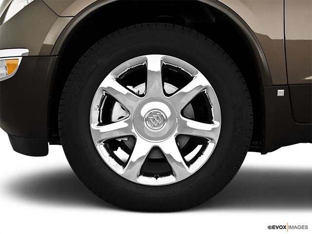 2010 Buick Enclave Front Drivers side wheel at profile