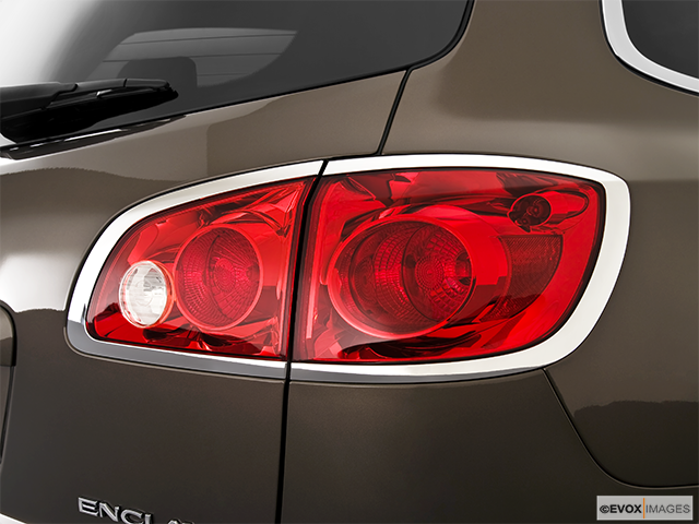 2010 Buick Enclave Passenger Side Taillight