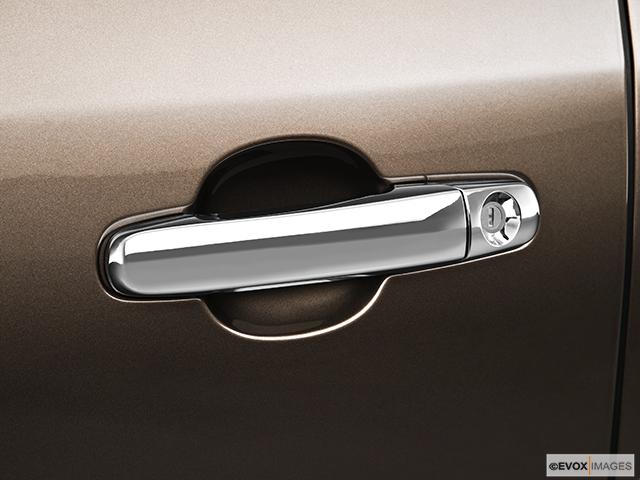 2010 Buick Enclave Drivers Side Door handle