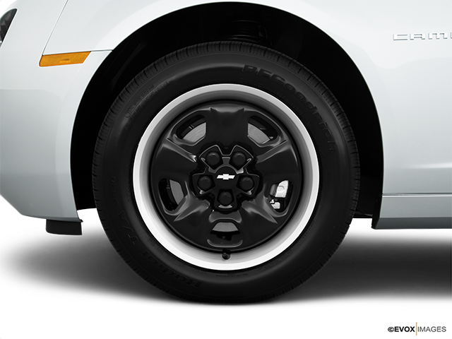 2010 Chevrolet Camaro Front Drivers side wheel at profile