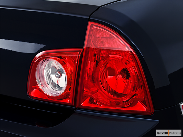 2010 Chevrolet Malibu Passenger Side Taillight
