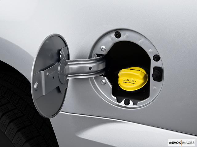 2010 Chevrolet Tahoe Gas cap open