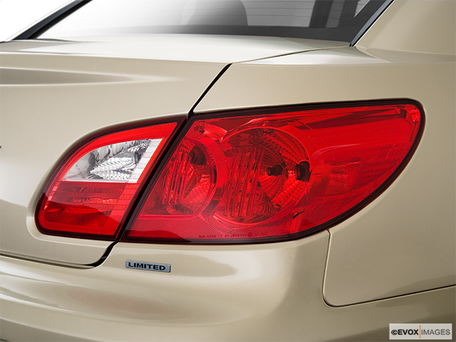 2010 Chrysler Sebring Passenger Side Taillight