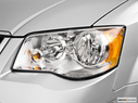 2010 Chrysler Town and Country Drivers Side Headlight