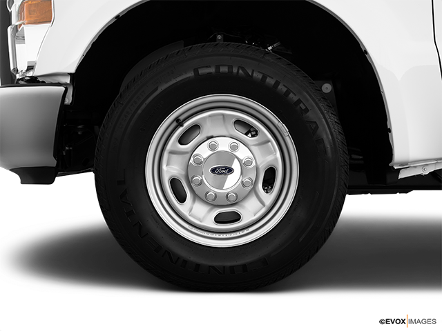 2010 Ford F-250 Super Duty Front Drivers side wheel at profile