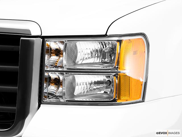 2010 GMC Sierra 3500HD Drivers Side Headlight