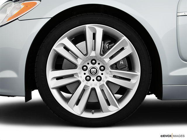 2010 Jaguar XF Front Drivers side wheel at profile