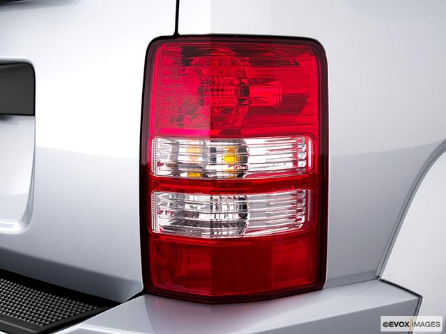 2010 Jeep Liberty Passenger Side Taillight