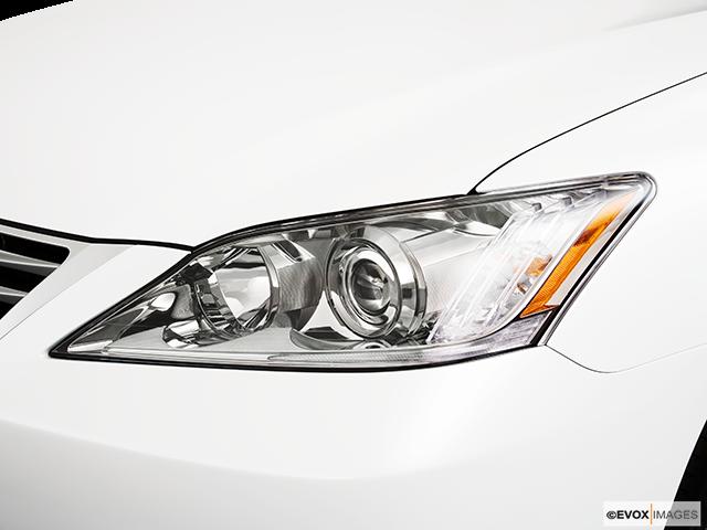 2010 Lexus ES 350 Drivers Side Headlight