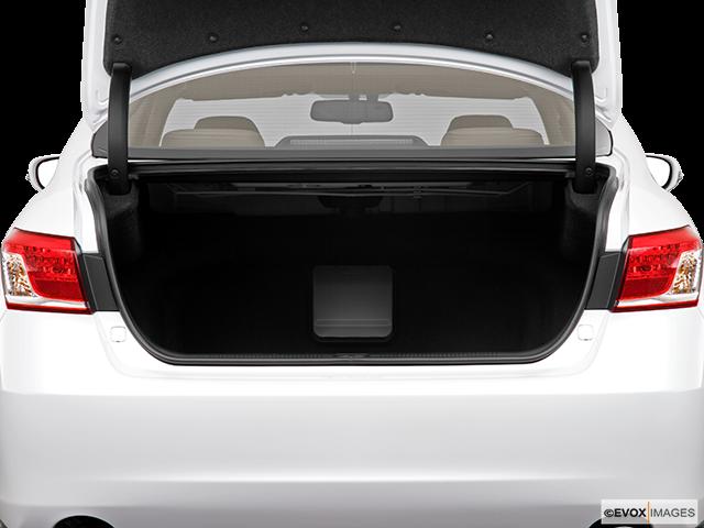 2010 Lexus ES 350 Trunk open