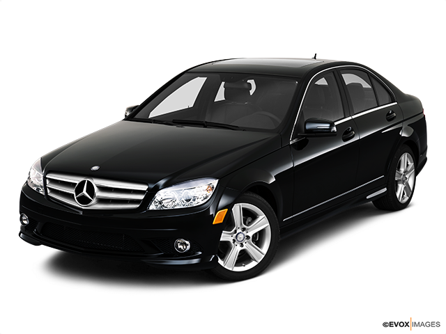 2010 Mercedes-Benz C-Class Front angle view