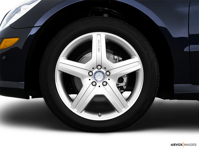 2010 Mercedes-Benz R-Class Front Drivers side wheel at profile