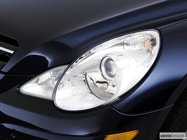 2010 Mercedes-Benz R-Class Drivers Side Headlight