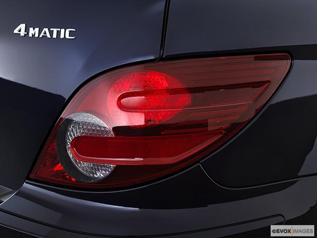 2010 Mercedes-Benz R-Class Passenger Side Taillight