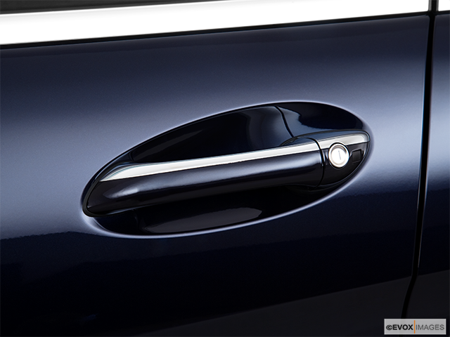 2010 Mercedes-Benz R-Class Drivers Side Door handle