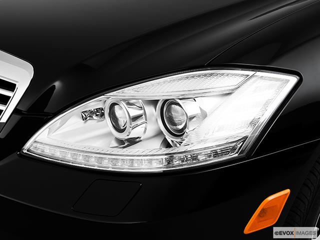 2010 Mercedes-Benz S-Class Drivers Side Headlight