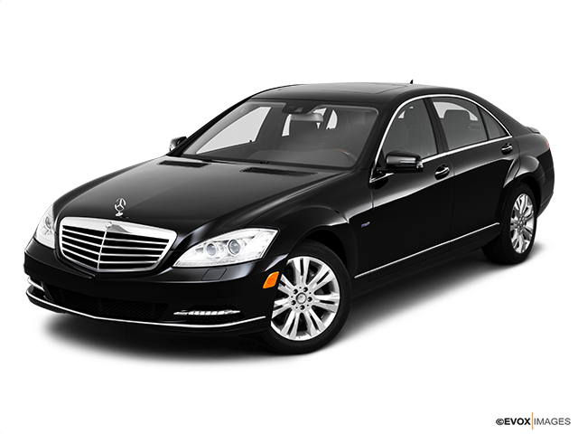 2010 Mercedes-Benz S-Class Front angle view