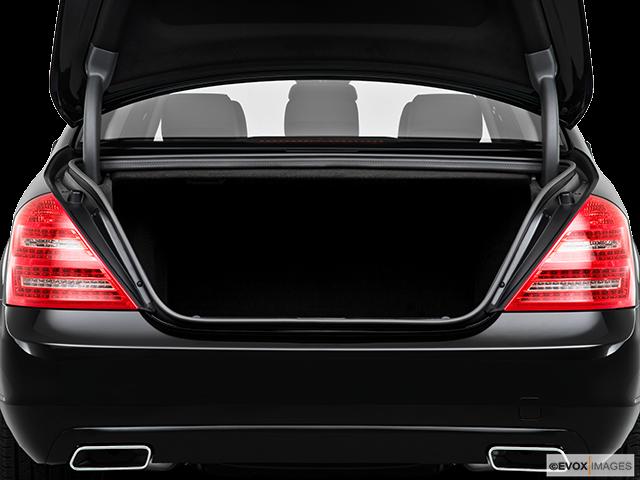 2010 Mercedes-Benz S-Class Trunk open