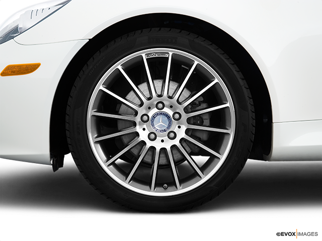 2010 Mercedes-Benz SLK Front Drivers side wheel at profile