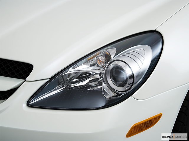 2010 Mercedes-Benz SLK Drivers Side Headlight