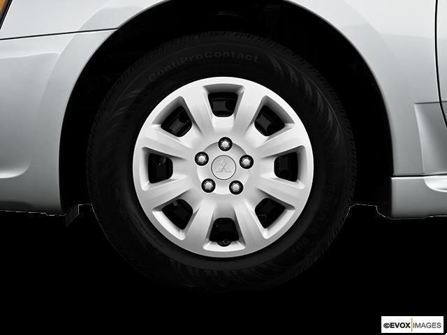 2010 Mitsubishi Galant Front Drivers side wheel at profile