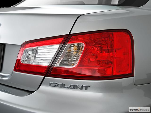 2010 Mitsubishi Galant Passenger Side Taillight