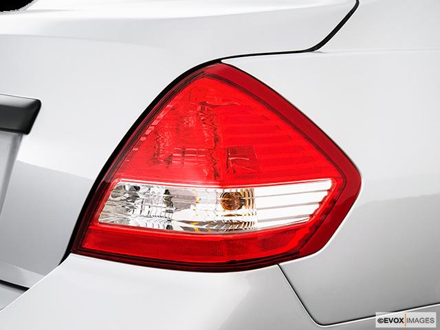 2010 Nissan Versa Passenger Side Taillight