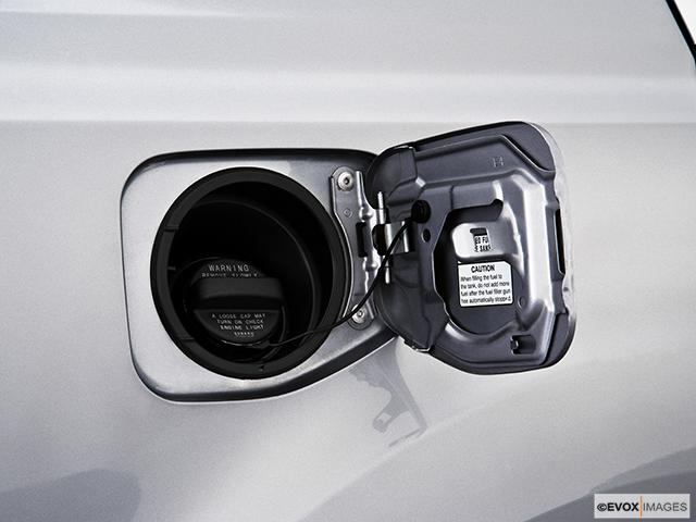 2010 Subaru Legacy Gas cap open