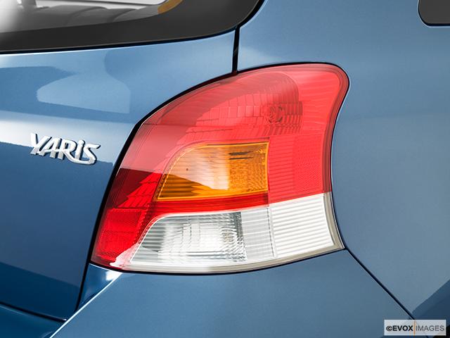 2010 Toyota Yaris Passenger Side Taillight