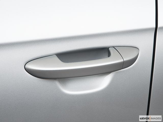 2010 Volkswagen Passat Drivers Side Door handle