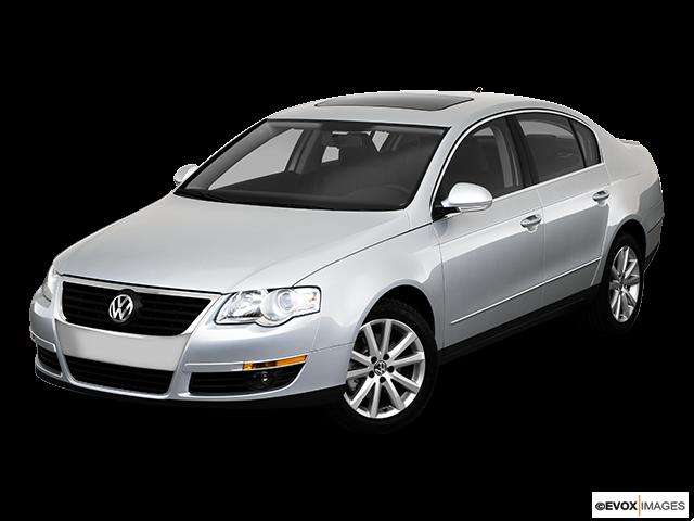 2010 Volkswagen Passat Front angle view