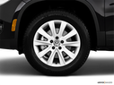 2010 Volkswagen Tiguan Front Drivers side wheel at profile