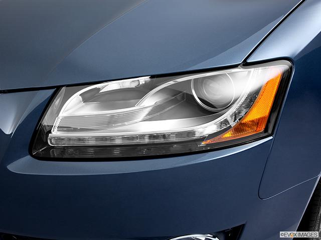 2011 Audi A5 Drivers Side Headlight